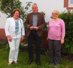 Frau Eilerts, Herr Bormann (Geschäftsführer der Lebenshilfe), Frau Hanke